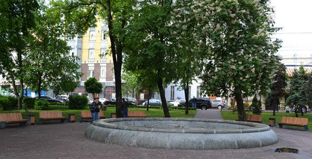 ВКиеве реконструируют сквер наКонтрактовой площади