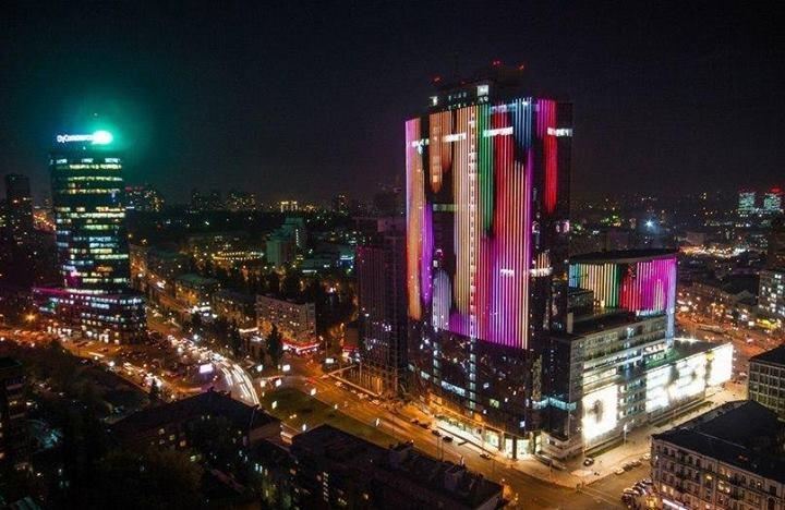 Юрий Луценко: Походатайству прокуратуры наложен арест набизнес-центр вгороде Киеве