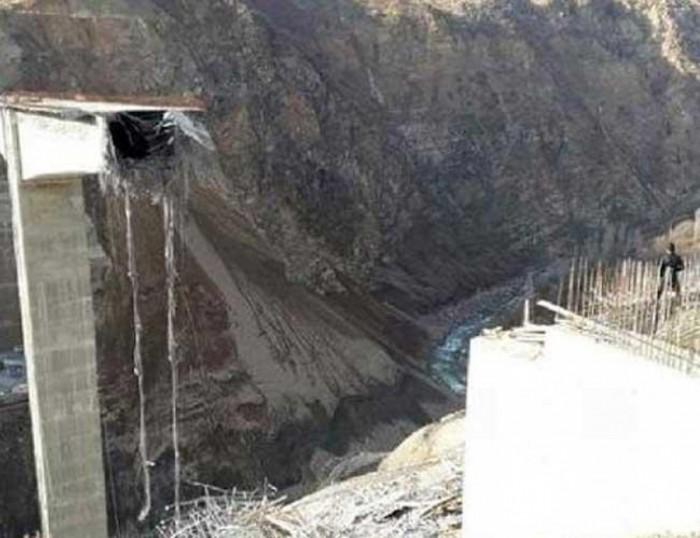 ВТурции обвалился практически достроенный подвесной мост
