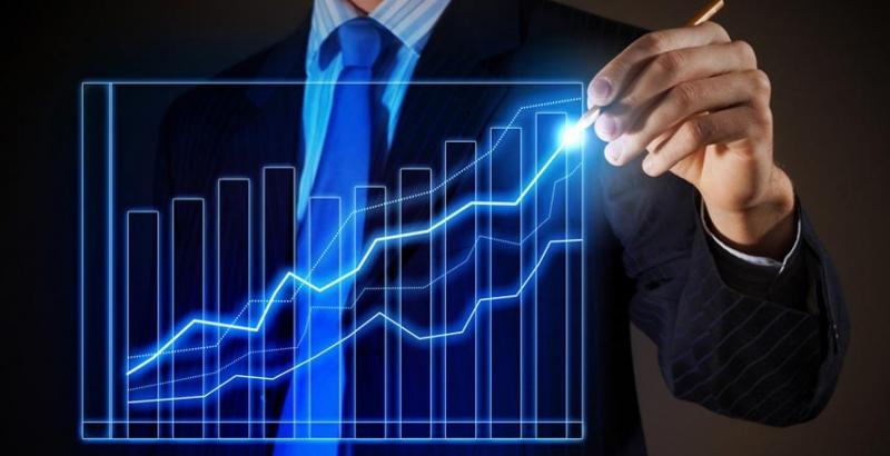 Почему укрепилась гривня и что будет после выборов — мнения финансистов