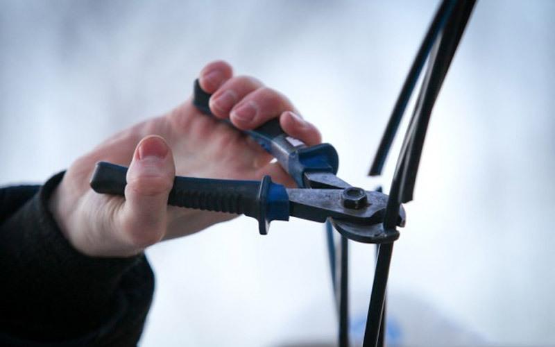 Новокаховські поліцейські затримали чоловіка, на рахунку якого більше 25 фактів крадіжок телефонного кабелю