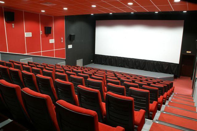 Киевсовет выделил бюджет на модификацию коммунальных кинотеатров