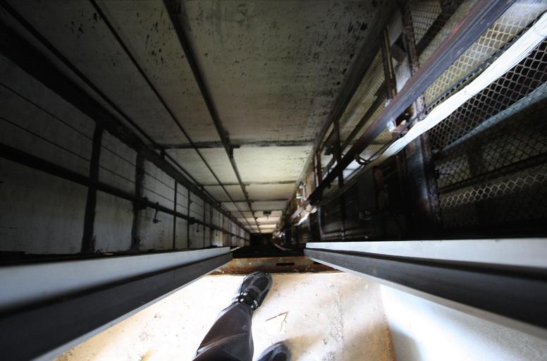 Состояние лифтов в многоэтажках не устраивает харьковчан