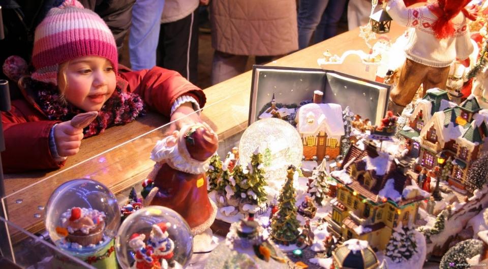 Сказочные декорации: Каким будет новогодний городок на площади Свободы