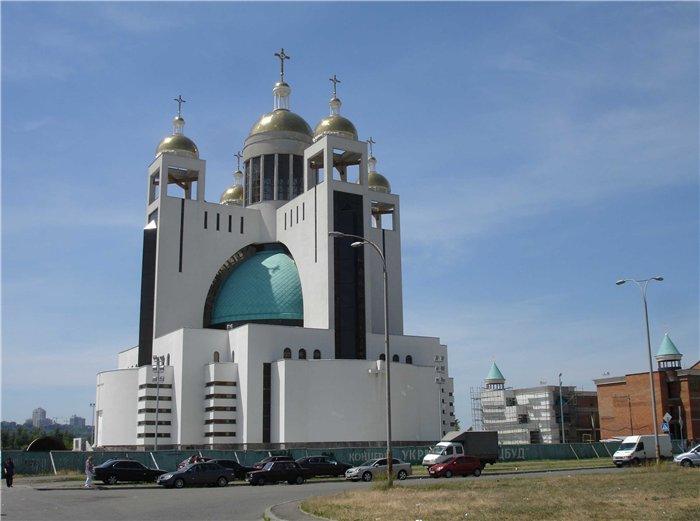 Инвесторы ЖК «Солнечная Ривьера» обеспокоены состоянием храма на Никольской Слободке