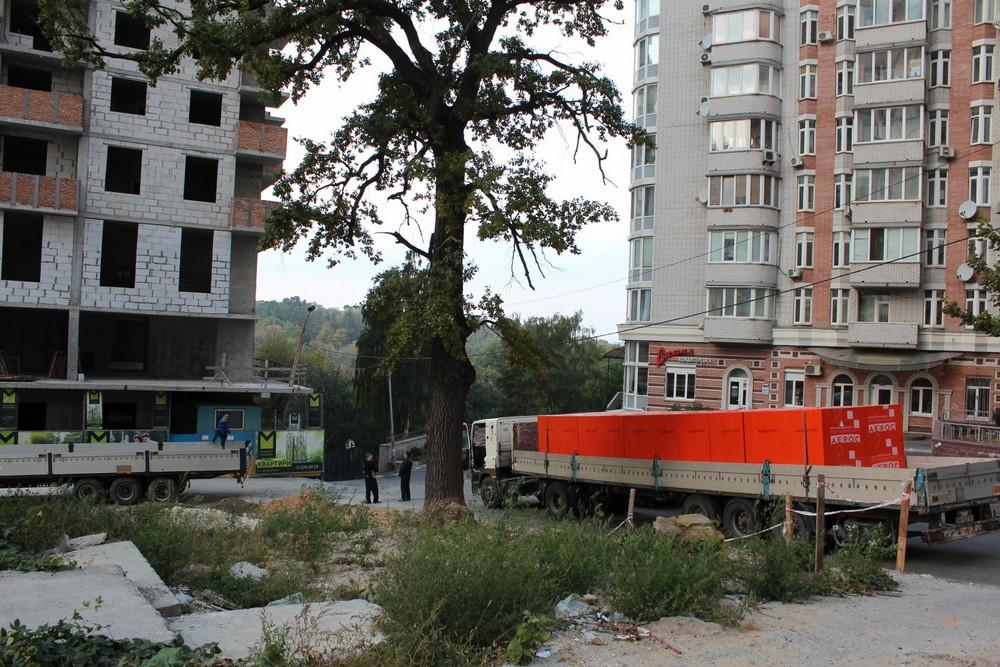 Видео и фото строительства ЖК «Молодежная Инициатива», в Шевченковском районе столицы