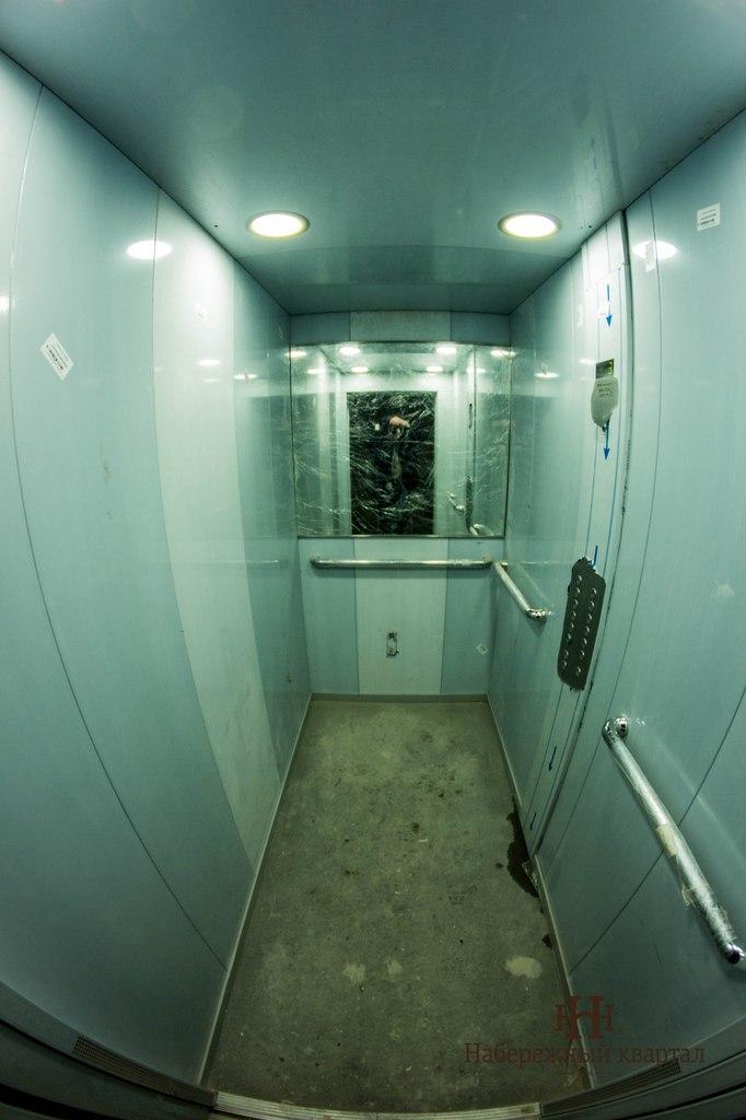 Жильцы успели опрововать лифт