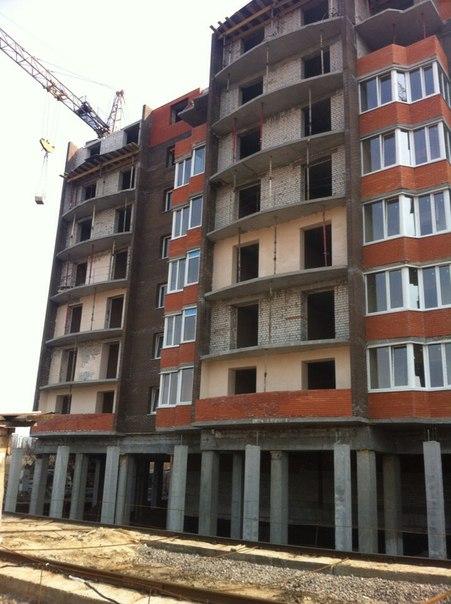 12 секция(очередь 4) Возведение 8 этажа Установка межкомнатных перегородок на 3 этаже