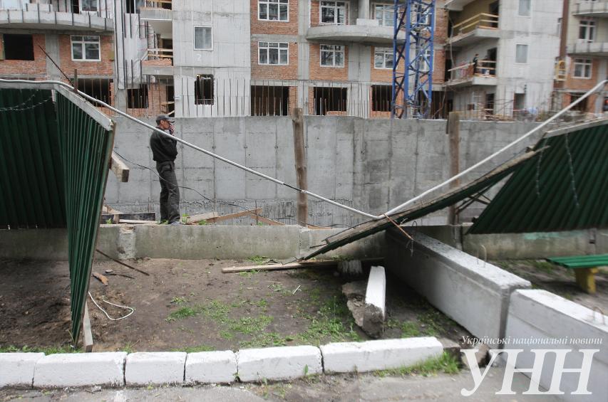 В Киеве жители протестовали против захвата двора под незаконное строительство