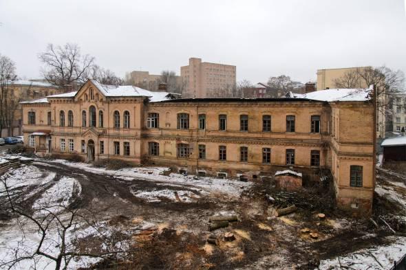 Уже демонтированное здание на ул. Маршала Бажанова, 11